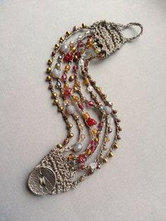 Bead Crochet Cuff Bracelet ottone mirtillo di TamiLopezDesigns