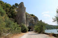 Чудните скали: старият път през скалите