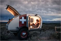 Vintage Overland Trailer is a rugged work of art skillfully constructed by hand, and specifically designed for adventure. Each caravan features a lightweight welded steel frame, a beautiful Baltic birch interior, large off-road tires, a solar panel,