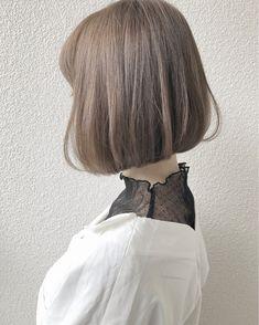 お人形さんみたいなミルクティーアッシュボブ taku La familia hair home Short Brown Hair, Short Straight Hair, Short Hair Updo, Short Hair Cuts, Curly Hair Styles, Girls Short Haircuts, Haircuts For Fine Hair, Straight Hairstyles, Haircut Short
