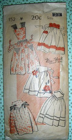 Vintage Apron--Rick rack idea for the vintage repro pattern Simplicity Vintage Apron Pattern, Retro Apron, Aprons Vintage, Vintage Sewing Patterns, Apron Patterns, Sewing Aprons, Sewing Clothes, Sewing Crafts, Sewing Projects