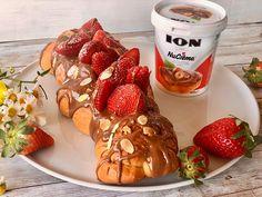 Τσουρέκι γεμιστό με ION Nucrema και λαχταριστές φρέσκιες φράουλες - ION Sweets French Toast, Strawberry, Sweets, Fruit, Breakfast, Ethnic Recipes, Food, Morning Coffee, Gummi Candy