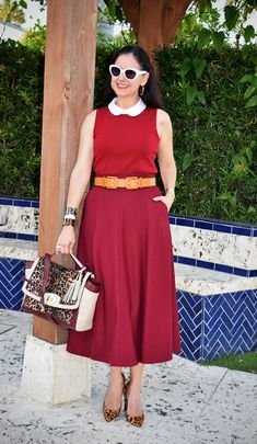 """The key to looking chic after 40 is to mix classic pieces with some """"of the moment"""" elements for a modern twist. Here's how Miami style blogger Susana Fernández does it."""