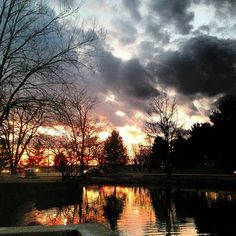 Sunset over the Virginia Tech Duck pond. Farewell, Professor. ❤️