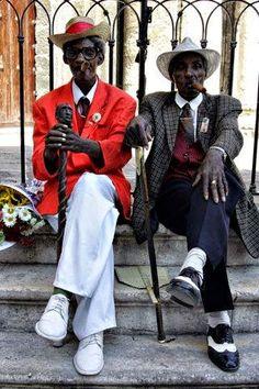 Street Style - Gentlemen From Havanna - Cuba Sharp Dressed Man, Well Dressed Men, Street Style Vintage, Mode Lookbook, Der Gentleman, Vintage Black Glamour, Hipster Grunge, Inspiration Mode, Club Style