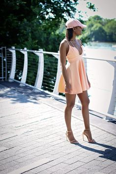 Pink Monochromatic | WWW.THEDAILEIGH.COM