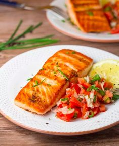 Pan Grilled Salmon With Tomato Salsa