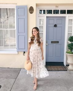 Outfit Details: Red Valentino Dress (old, short version still available here and similar one here), Chloe Flats, J.McLaughlin Bag (last… Modest Dresses, Modest Outfits, Classy Outfits, Modest Fashion, Cute Dresses, Midi Dresses, Midi Dress Outfit, Dress Outfits, Dress Up