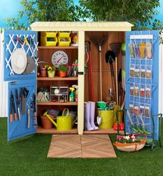 The Best Shed Storage Ideas This Year - Shedstore shed design shed diy shed ideas shed organization shed plans Shed Organization, Garden Storage Shed, Storage Shed Plans, Diy Shed, Organizing Ideas, Small Garden Storage Ideas, Small Garden Tool Shed, Backyard Sheds, Outdoor Sheds