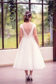 78e34163360 créatrice robe de mariée flore et johanna ensemble top + jupe dos nu  plumetis style années