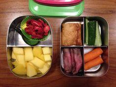 Saucijzenbroodje van de Groenewegslager #meenaarschool #moetnxkunnen