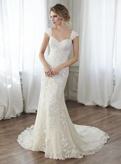 The Harrogate Wedding Lounge Stock Maggie Sottero Yorkshire