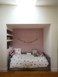 Alcove tête de lit chambre d'enfant. www.atelierjoseph.fr