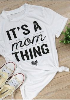 It's a Mom Thing Short Sleeve T-Shirt