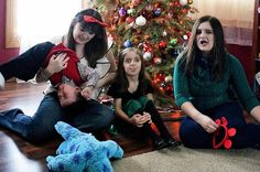 Maybe we'll take just one more.... 30 Perfectly Imperfect Holiday Card Outtakes