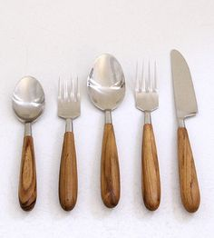 Teak Cutlery Set (spotted via this pin: http://pinterest.com/pin/232990980691860726/)