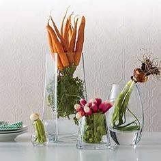 vegetable centerpiece rachel ray This is a unique idea. Instead of flowers use vegetables Unique Wedding Centerpieces, Food Centerpieces, Kitchen Centerpiece, Unique Weddings, Table Decorations, Centerpiece Ideas, Easter Centerpiece, Vegetable Decoration, Catering Display