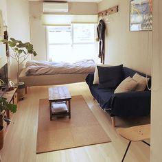 Small room design – Home Decor Interior Designs Small Room Interior, Small Room Bedroom, Bedroom Decor, Studio Apartment Decorating, Apartment Interior, Apartment Design, Minimalist Room, Minimalist Studio Apartment, Small Room Design