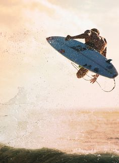 Fins out... Mick Fanning...