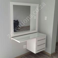 Inspiração quarto – Howe To Make Make-Up Design Small Bedroom Furniture, Home Decor Bedroom, Vanity Room, Makeup Room Decor, Cute Room Decor, Glam Room, Stylish Bedroom, Home Room Design, Easy Home Decor