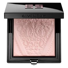 Shop Givenchy's Poudre Lumière Originelle - Soft Powder Radiance Enhancer at Sephora. It leaves the complexion with a fresh-faced glow. Sephora, Givenchy Beauty, Givenchy Paris, Putting On Makeup, Beauty Book, High End Makeup, Makeup Swatches, Kiss Makeup, Perfume