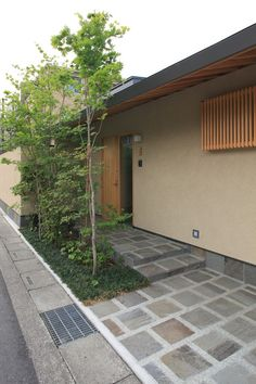 熊谷の家|横内敏人建築設計事務所 Asian Landscape, House Landscape, Garden Entrance, House Entrance, Japanese Modern House, Japan Interior, Asian House, Driveway Design, D House
