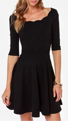 Black Half Sleeve Backless Pleated Dress
