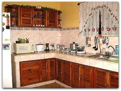 Detalle de la cocina. Vinales, Cuba, Kitchen Cabinets, Home Decor, Horse Drawn Wagon, Cooking, Decoration Home, Room Decor, Cabinets