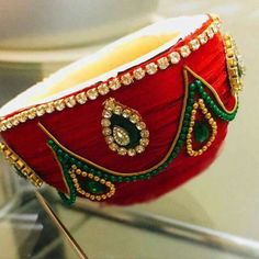 bridal jewelry for the radiant bride Kalash Decoration, Thali Decoration Ideas, Diy Diwali Decorations, Indian Wedding Decorations, Festival Decorations, Bridal Room Decor, Coconut Decoration, Janmashtami Decoration, Wedding Crafts