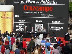 La Claqueta gigante de Cruzcampo que presidirá el Festival de Cine de Málaga