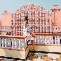 Follow @samishome to Hawa Mahal . . . #jaipur #india #wanderlust #travel