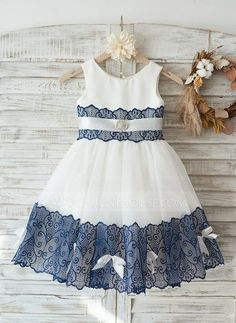 Eye-catching Lace & Tulle Scoop Neckline Knee-length Ball Gown Flower Girl Dresses With BeadingsIvory Lace Champagne Tulle Keyhole Back Wedding Party Flower Girl Dress with BeltUrban Hairstyles For Women Refferal: do similar with firs Flower Girl Dresses Country, Wedding Flower Girl Dresses, Girls Party Dress, Little Girl Dresses, Girls Dresses, Dress Girl, Tulle Wedding, Girl Tutu, Flower Girls