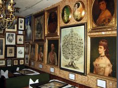 K. und K. Museum Bad Egart 10. September, Austria, Impératrice Sissi, Kaiser Franz, Museum, Her World, Sculptures, Gallery Wall, Statue