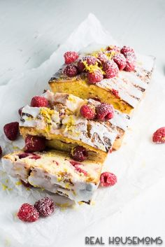 This delicious LEMON RASPBERRY LOAF CAKE is sweet with a tart lemon zing and perfect all year round!