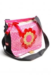 Schooltassen en Leuke accessoires voor meisjes.      Te koop bij koflo.nl