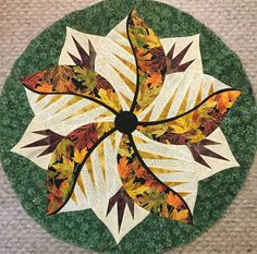 Poinsettia, Quiltworx.com, Made by CI Kathryn Groves Table Topper Patterns, Table Toppers, Foundation Paper Piecing, Christmas Gifts, Holiday, Poinsettia, Textile Art, Fabric Design, Quilt Patterns
