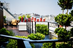 Book your escape at Prince de Galles, a Luxury Collection Hotel, Paris. Our exclusive Paris hotel offers luxury accommodations & unmatched experiences.