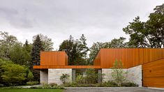 In a bid to re-establish close relationships between family generations, Toronto-based architecture and design studio Williamson Williamson has created 'The House on Ancaster Creek' in Ontario, Canada. Residential Architecture, Contemporary Architecture, Contemporary Design, Modern Design, Ontario, Stone Siding, Wood Siding, Toronto, Outdoor Pavilion