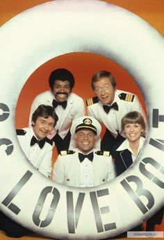 The Love Boat. I'd love all the seasons of Love Boat on DVD. Childhood Tv Shows, My Childhood Memories, Great Memories, Tv Vintage, Ed Vedder, Gugu, Love Boat, Old Shows, Great Tv Shows