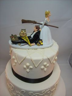 HARRY POTTER Funny Wedding Cake Topper HUFFLEPUFF House Charming Rehearsal Dinner Groom's Cake Magic Wizard Witchcraft Broomstick Owl