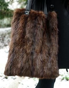 winter ootd upcycled bag by reformation vintage fur Fur Purse, Fur Bag, Craft Fur, Vintage Fur, Vintage Winter, Upcycled Vintage, Fake Fur, Fur Fashion, Style Fashion