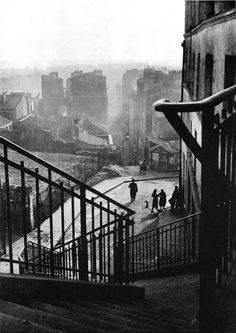 Willy Ronis Montmartre - Paris 1948