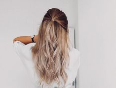 47 + How would you like to be inspired by 2019 hair designs? - Shiny Hair Color Tones and Combination for Easy Hairstyles For Long Hair, Spring Hairstyles, Long Curly Hair, Short Hair Styles Easy, Curly Hair Styles, Blonde Color, Hair Color, Balayage Long Hair, Best Salon