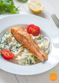 Healthy and delicious creamy spinach zoodles/courgetti with salmon. High-protein, low-carb and gluten-free meal ready in just 15 minutes!