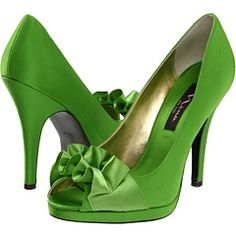 Green high heels with yellow dress. JOHN DEERE COLORS