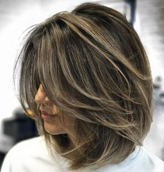 70 Brightest Medium Layered Haircuts to Light You Up Ash Brown Balayage Lob With Layers Balayage Lob, Balayage Highlights, Brown Balayage, Brunette Highlights, Brown Highlights, Short Balayage, Balayage Straight, Ombre Brown, Caramel Highlights