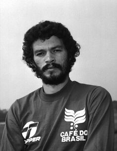 Socrates 1981 though he played at Santos FC for only a season but he's the… Socrates, Retro Football, National Football Teams, Soccer, Legends, Rey, Beards, Brazil, Magazine
