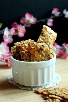 The Informal Chef: Almond and Seeds Crisps/Brittle This CNY snack is loaded with nutrients and mineral. It is mildly sweetened, aromatic and super crunchy. A perfect snack for the family and giveways!