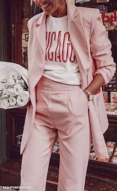 3 Ways to combine pastel pink in your 3 Manieren om pastel roze te combineren in je outfit Millenial pink Pink Outfits, Mode Outfits, Casual Outfits, Fashion Outfits, Fashion Trends, Fashion Ideas, Classic Outfits, Short Outfits, Summer Outfits