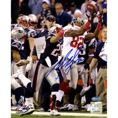 Mario Manningham Super Bowl XLVI Vertical 8x10 Photo Signed - Mario Manningham was a stand-out wide receiver for all four of his years in Ann Arbor finishing his Michigan career with 137 catches and over 2000 yards. Drafted by the Giants in the third round of the 2008 NFL Draft Manningham has been a steady go-to wideout for Eli Manning ever since; he caught the key 4th quarter touchdown in this years NFC Championship game against the 49ers. On the biggest stage of his career Manningham…